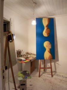 Eelmises, Tehnika tn ateljees Hobusepea galerii näituseks maalimas. 2007